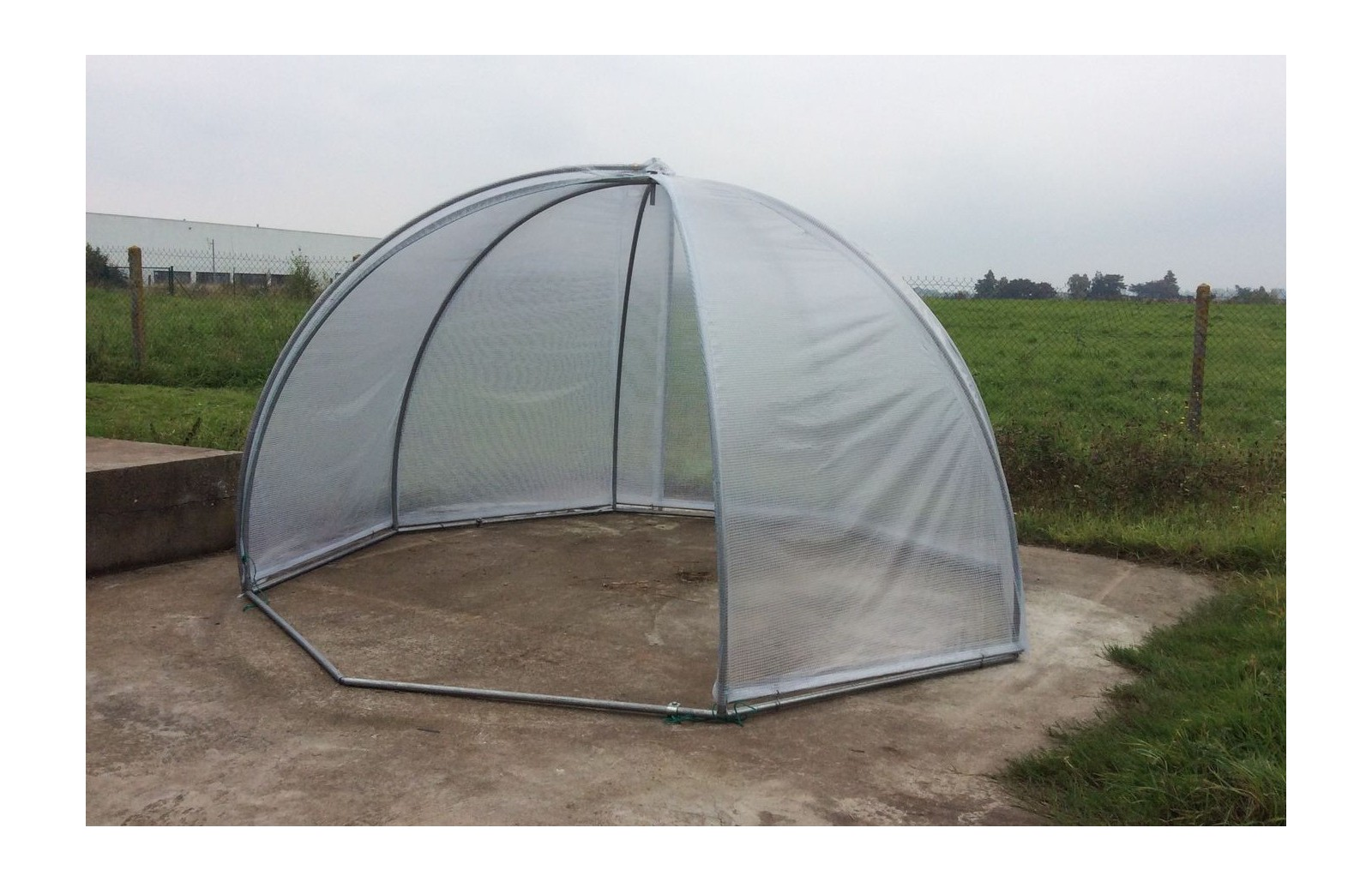 Serre igloo serres tonneau - Abri de jardin igloo tourcoing ...