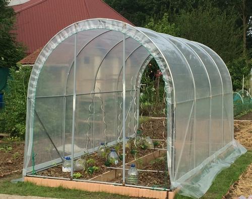 fabrication d une serre charmant fabrication d une serre de jardin nouvelles conceptions de. Black Bedroom Furniture Sets. Home Design Ideas